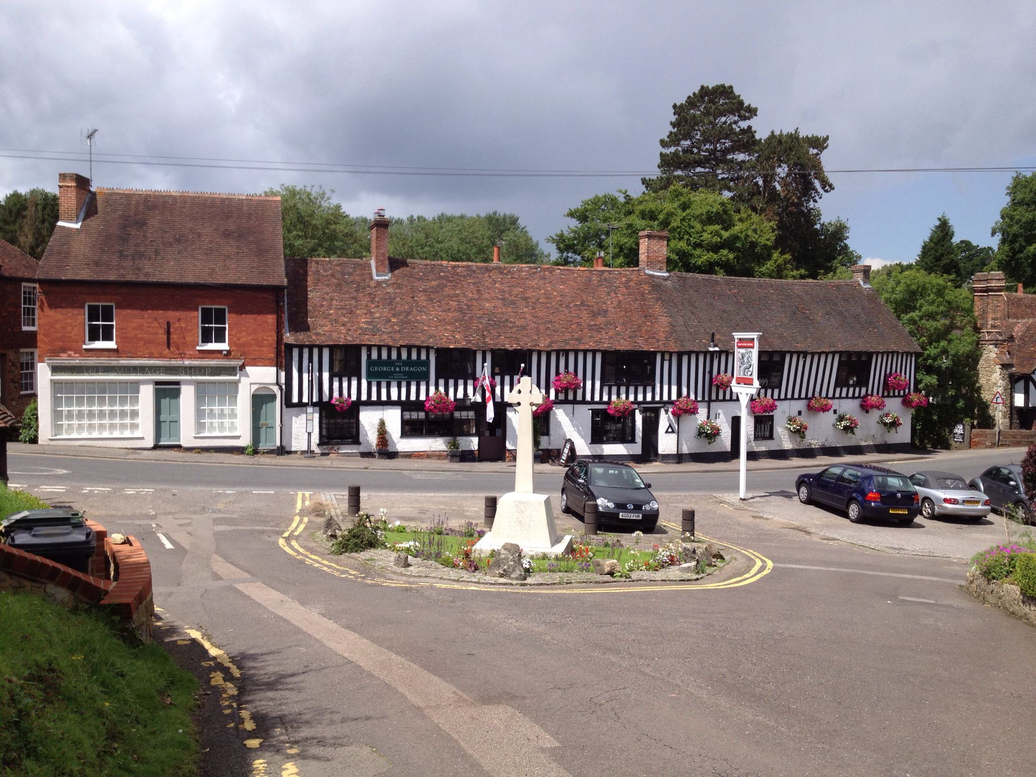 George and Dragon, Ightham and the war memorial
